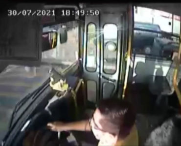 Otobüs şoförü, epilepsi nöbeti geçiren çocuğu sağlık ekiplerine yetiştirdi